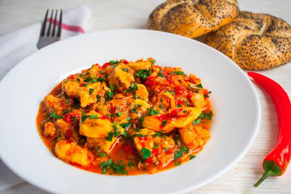 """""""Papricas de pui"""", Romanian cuisine recipe"""